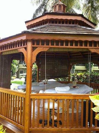 Sandals Halcyon Beach Resort: massage hut