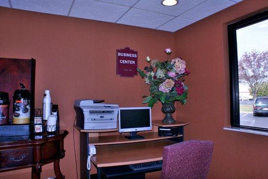 Quality Inn: Full Service Business center