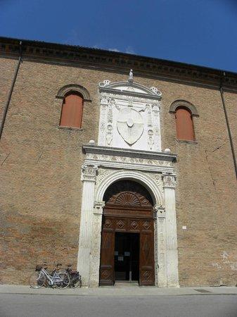 Palazzo Schifanoia (Palazzo della Gioia): Palazzo Schifanoia - Portone di ingresso