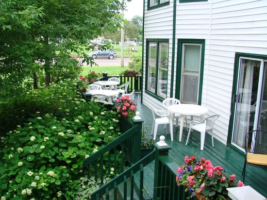 Prince County Bed & Breakfast: East Deck
