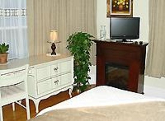 Prince County Bed & Breakfast: Montgomery Room