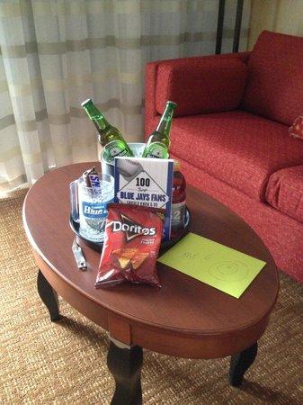 Courtyard Chicago Waukegan/Gurnee : The goodbye gift waiting for me on my last night...