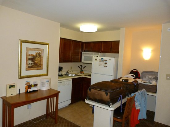 Staybridge Suites Chantilly Dulles Airport: One bedroom, double queen suite