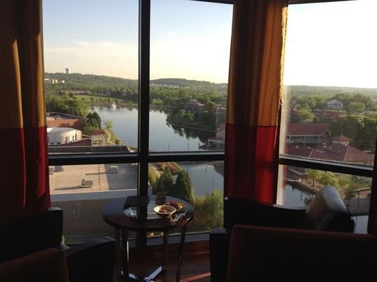 Hilton Charlotte University Place : hilton Charlotte executive lounge