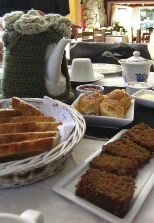 Equs Casa de Te Gales: Merienda en Casa de té Equs