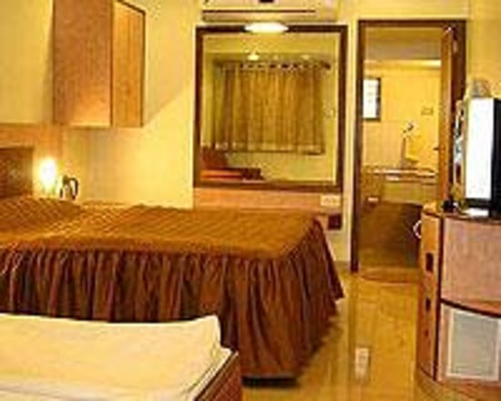 Photo of Hotel Lake View Mahabaleshwar