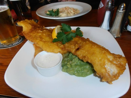 The Masons Arms: the huge fish'n'chips and the Salmon tagliatelle