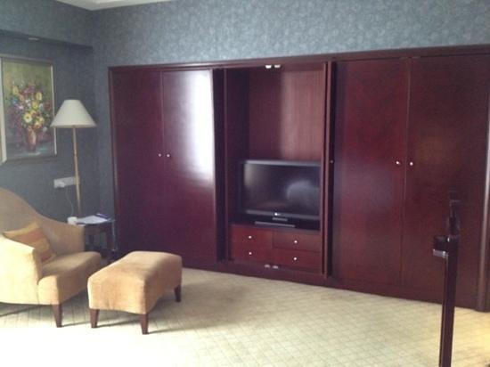 Grand Royal Hotel: bedroom 2
