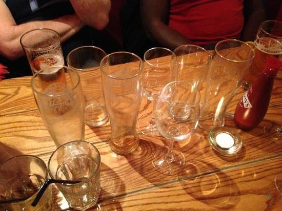 Unthank Arms Bar & Restaurant: glass clearing service rubbish