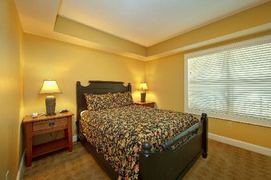 Cherokee Lodge Condos: Guest Bedroom