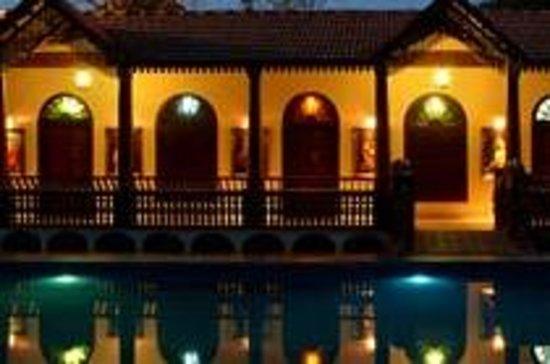 Neelambari resort spa kochi cochin kerala lodge for Travel planners kerala reviews
