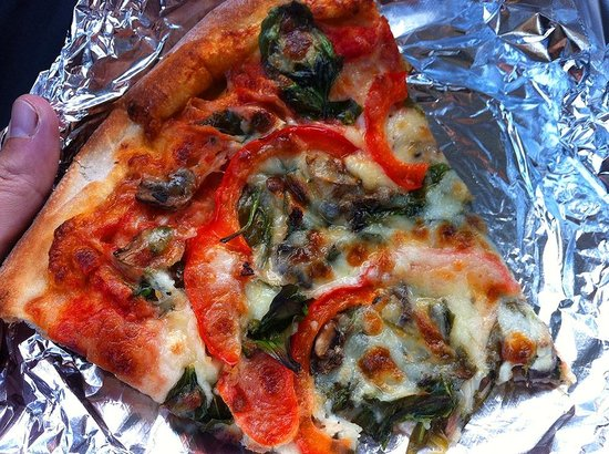 Ramunto's Silician Pizza : slice (sorry i started eating before remembering to shoot!)