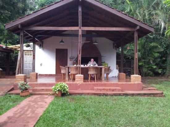 Guest House Puerto Iguazu: Breakfast on the terrace