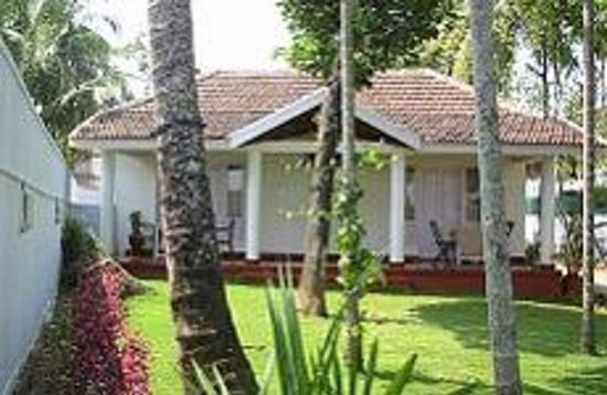 CarlDale Backwaters Vacation Home