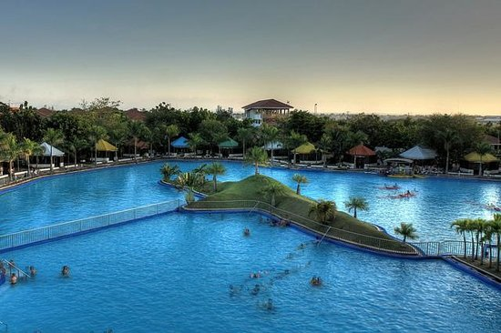 Remington Hotel - Resorts World Manila: Integrated Resort