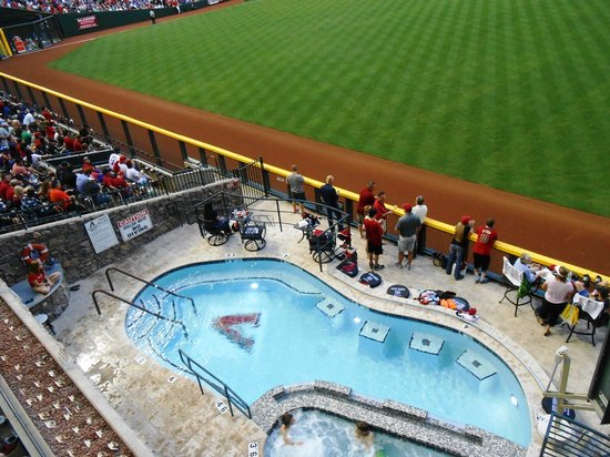 ‪‪Chase Field‬: Jacuzzi? What?!?!?‬