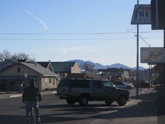 Highlander Motel: Route 66 - Front
