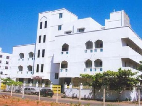 Navarathna hotel from 9 pondicherry india reviews photos tripadvisor for Cheap hotels in pondicherry with swimming pool