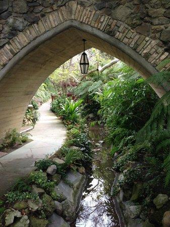 Hotel Bel-Air: Lush Gardens