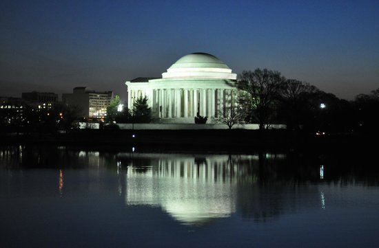 Jefferson Memorial : at Sunrise