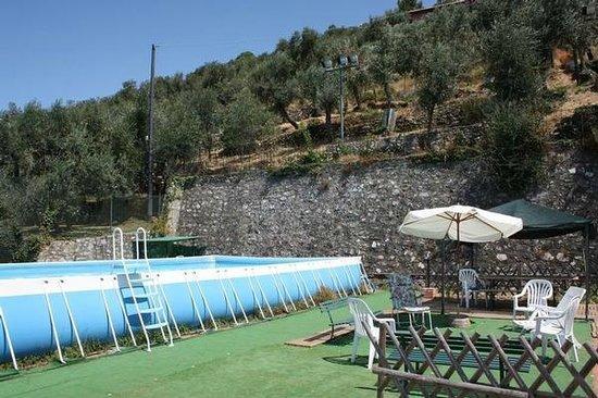 Solaria: piscina e gazebo