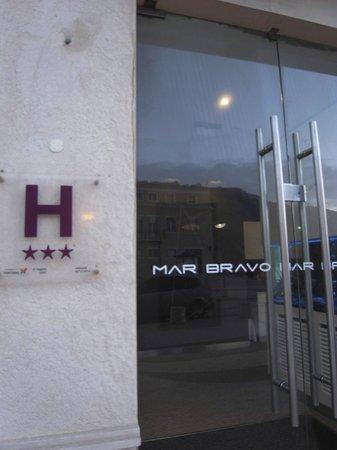 Hotel Mar Bravo: ホテル入り口