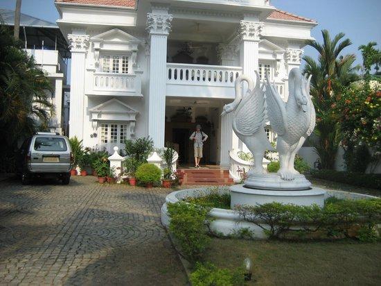 Chackupurakal : Strange facade