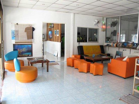 Impian Divers : lounge area