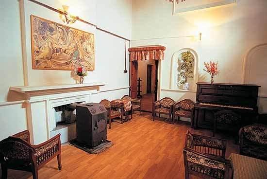Devdar Hotel