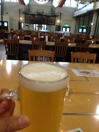 World Glassware Hall: 地ビール館