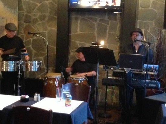 Macondo Bistro: Live music on friday nights