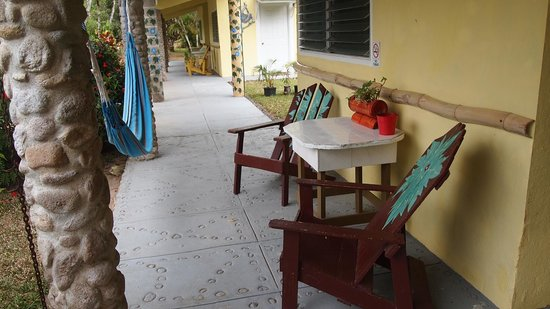 Cabanas Potosi: relaxing area outside of each cabana