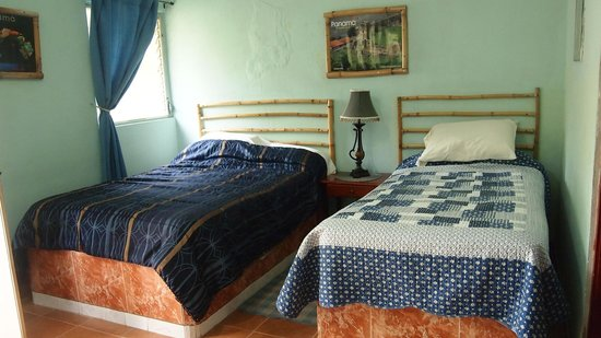Cabanas Potosi : room had a double and twin bed