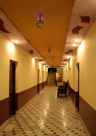 Hotel Maru Palace Photo