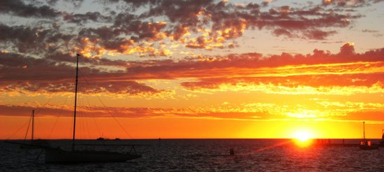 Your Sunset - Picture of Tradewinds Seafront Apartments, Denham ...   title   your sunset