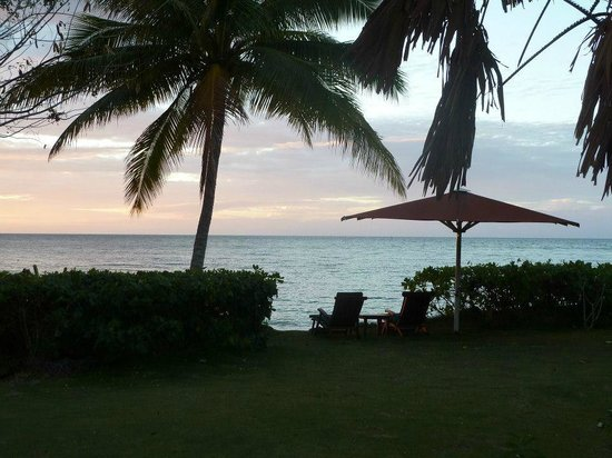 Nukubati Private Island: a few steps from our bure