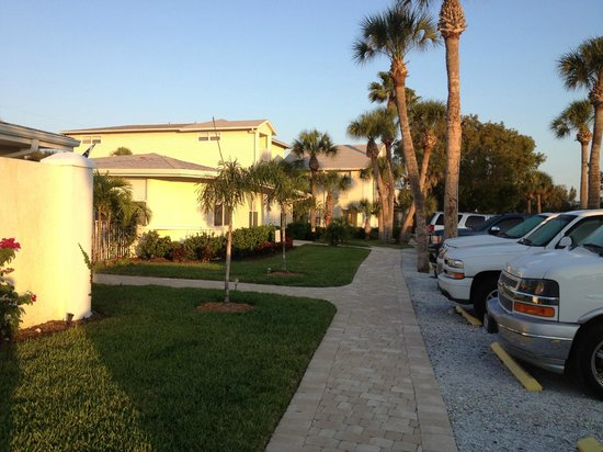 Sea Spray Resort on Siesta Key: Resort parking area is just steps from the units