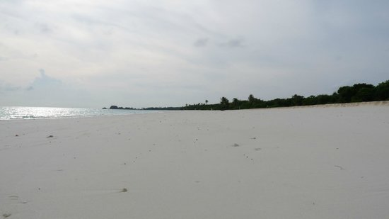 Amanpulo: Main Beach