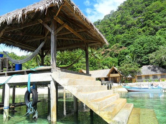 Sangat Island Dive Resort: Pier