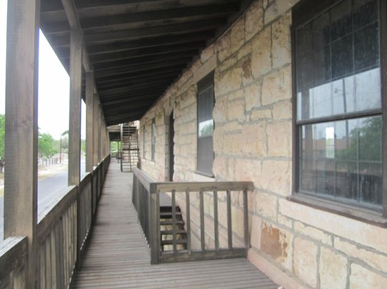 fort clark springs building