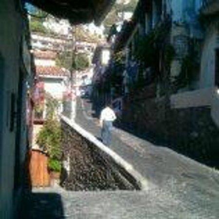 BEST WESTERN Hotel Taxco: Front door the hotel