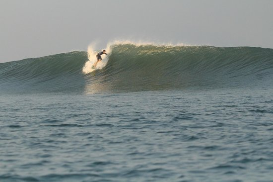 Surf Tours Nicaragua: take off at freight trains day 1