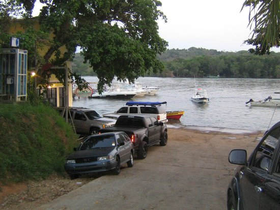 Lodge on left at boca chica waterfornt picture of panama for Panama fishing lodge