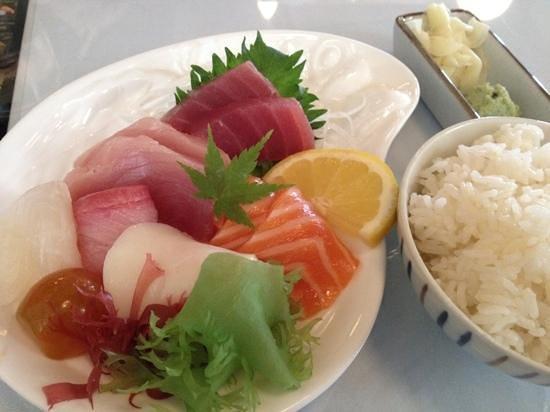 Goshi Japanese Restaurant: sashimi of great beauty
