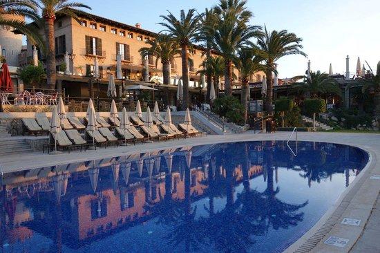 Castillo Hotel Son Vida, a Luxury Collection Hotel: Pool and hotel