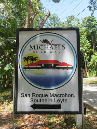 Michael's Resort and Dive: Watch the signs