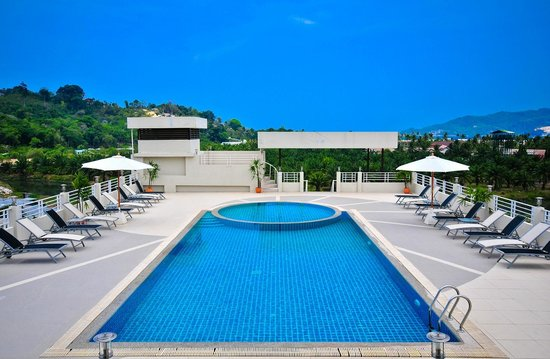 The ASHLEE Plaza Patong Hotel & Spa : Swimming Pool
