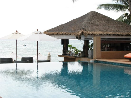 Samui Jasmine Resort: Pool overlooking the ocean