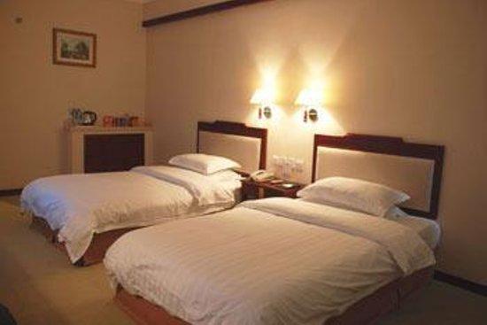 Junyue Minzu Hotel