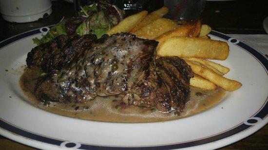 Yatenga French Bistro and Bar : Pepper steak